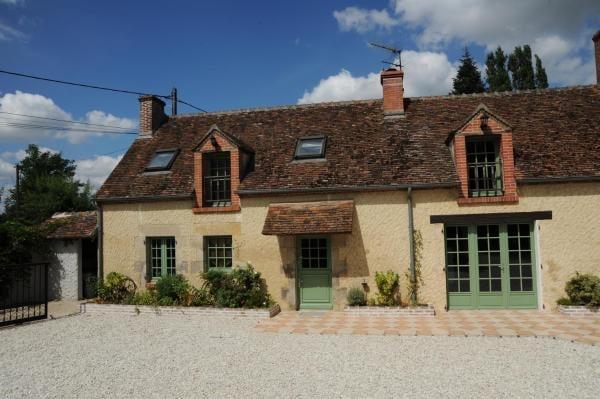 chambres et table d'hôtes Cerviña - façadesde la petite ferme - entrée