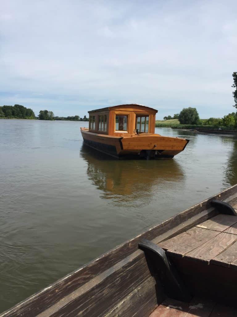 l'Alose brau des passeurs de loire gabare cabanes bateau traditionnel